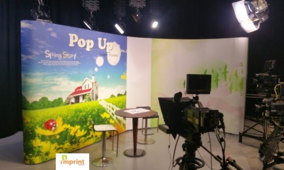 Pop Up Displays for Video Production